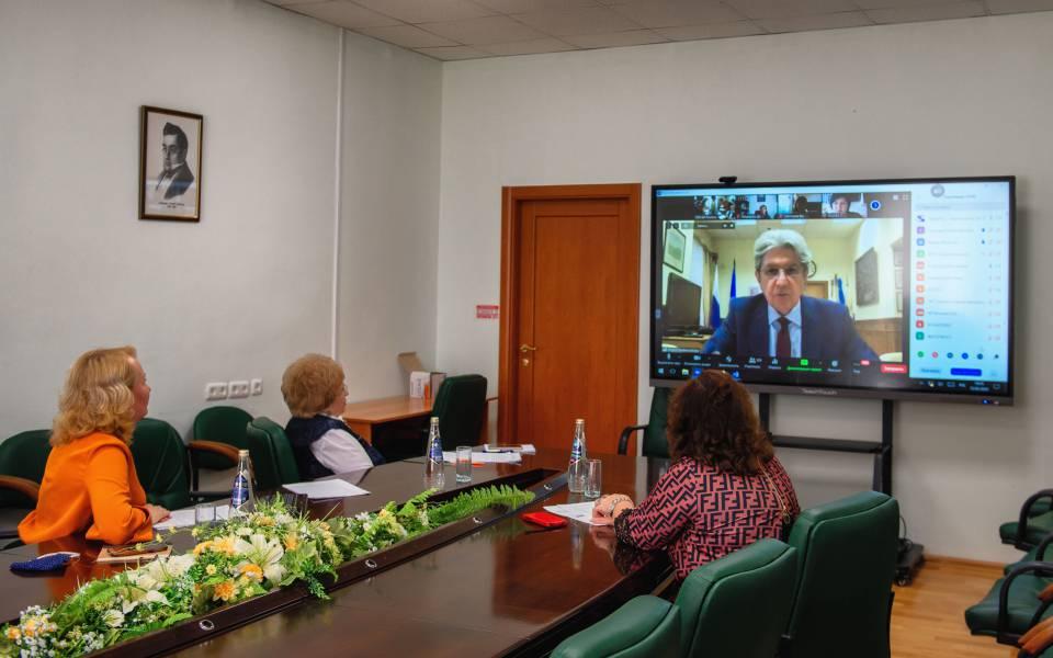 Представители «ТИСБИ» навебинаре «Опыт внедрения дистанционного обучения вАссоциированных школах ЮНЕСКО вРФ»